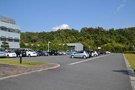 駐車スペース 約100台分